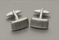 L4594 Tire Treads